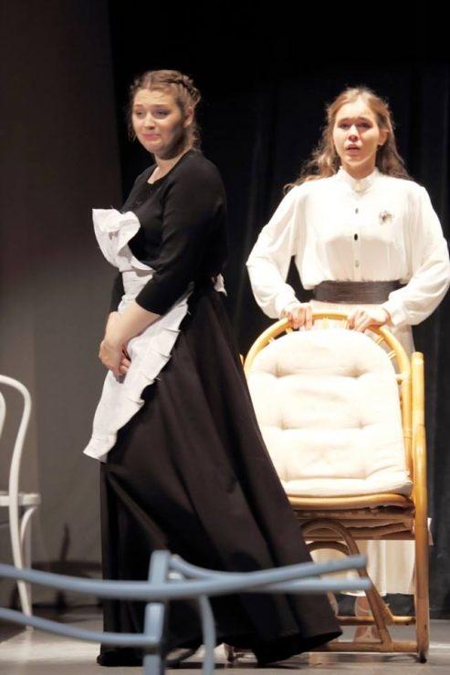 В красногорском ДК «Подмосковье» стартовал фестиваль современного театрального искусства «За гранью софитов»
