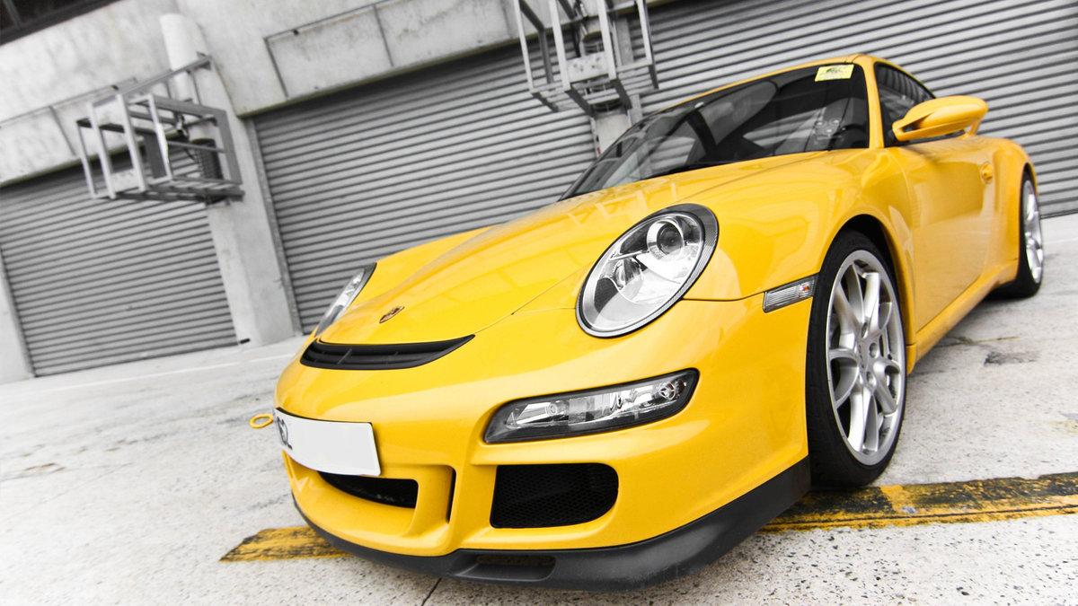 картинка желтого автомобиля