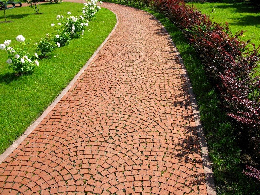 обустройство садовой дорожки