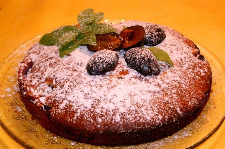Сладкий пирог со сливами рецепт с фото