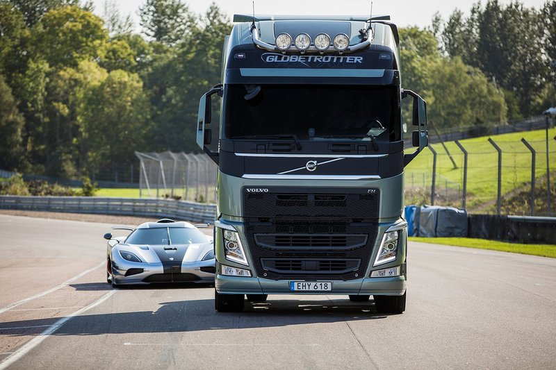 грузовик фото вольво