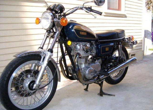 В США и Европе часто по отношению к японским мотоциклам звучит термин UJM. Переводится примерно как утилитарный японский мотоцикл. Когда появился этот термин - в…