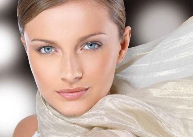 Модный макияж 2016 отличается преобладанием естественных оттенков.