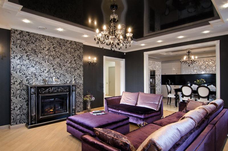 Роскошь.  Дизайн интерьера гостиной в лиловом цвете.
