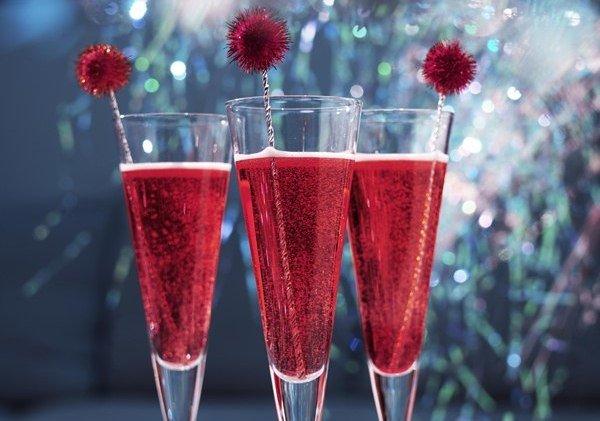 """Коктейль """"Россини"""" на основе шампанского к новому Году"""
