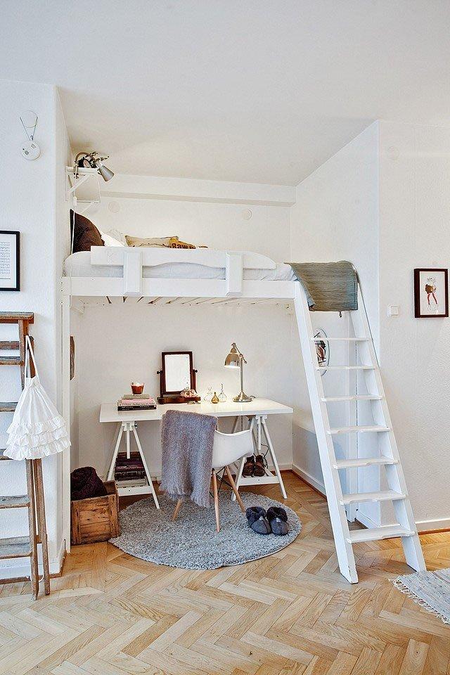 Неважно, как именно выглядит ваше рабочее место: может, это просторный кабинет, а может просто тихий уголок со столом — сущность вашей работы остается неизменной.