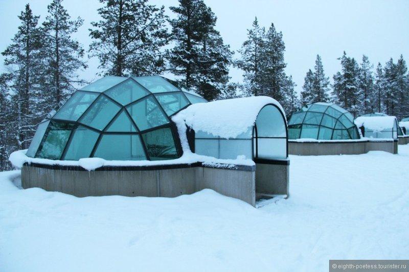 Снега, сауны и ночь в стеклянном углу