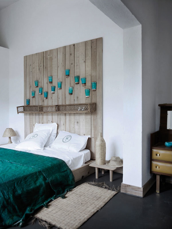 Декор на стену в спальню над кроватью