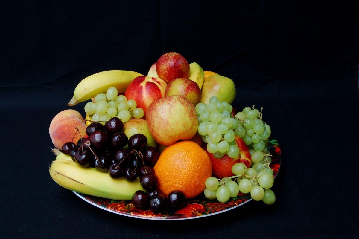 чтобы фрукты целиком положить красиво фото используйте для