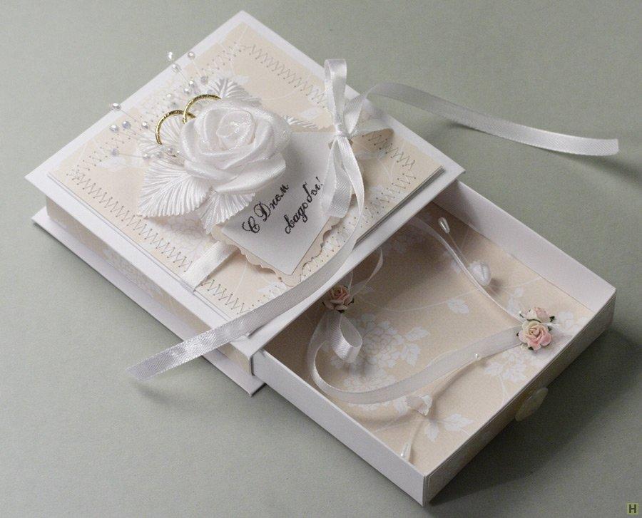 коробка поздравлений на свадьбу девушек красными