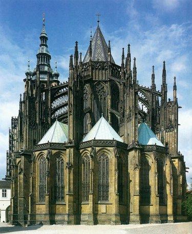 стиль готика в архитектуре 12 век