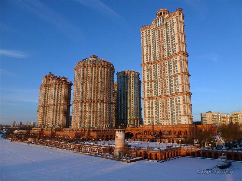 """Москва давно стремится ввысь, и небоскрёбы перестали быть диковинкой для горожан. ТОП-10 столичных небоскрёбов: от сталинских высоток до ММДЦ """"Москва-Сити""""."""