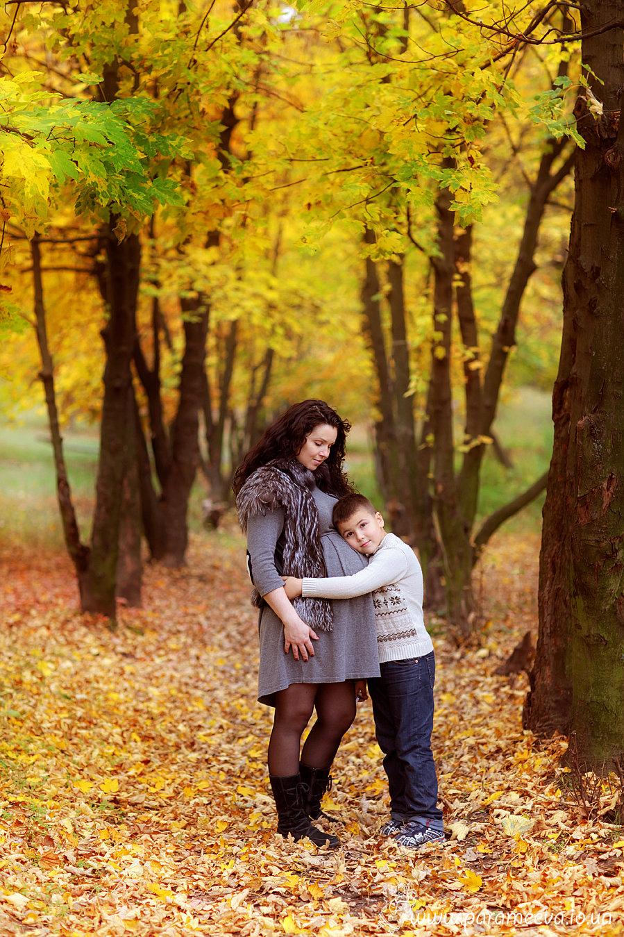 лесу с мамой в