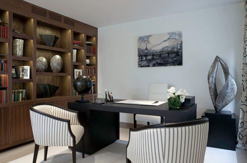 Домашний кабинет с декоративными элементами