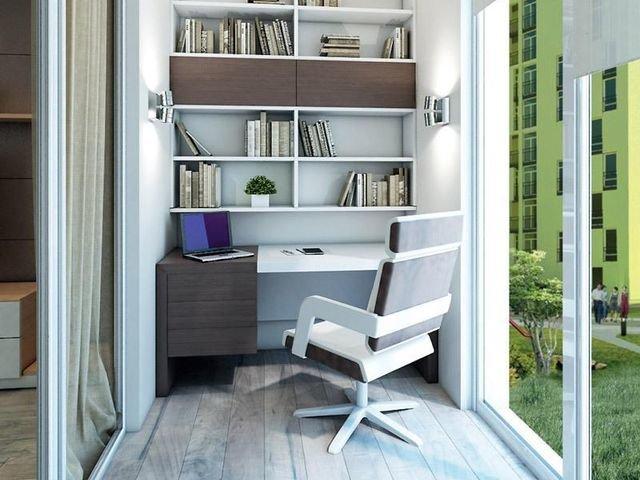 Кроме традиционного и привычного зимнего сада на балконе можно разместить кабинет или комнату отдыха,