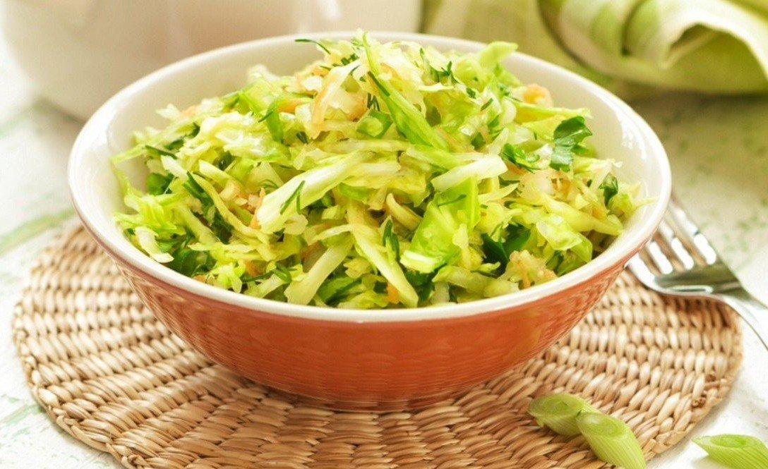 салат с капустой огурцом и кукурузой