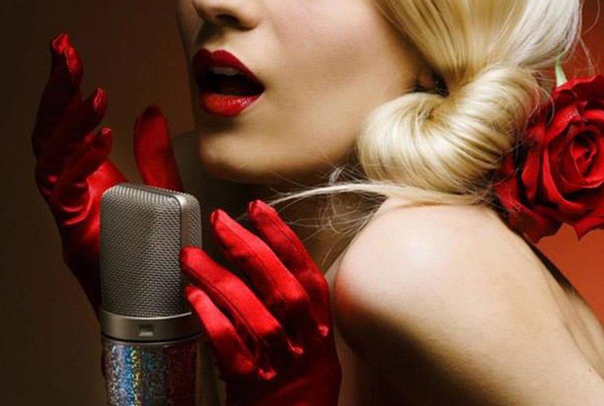 Сексуальный голос певицы #10