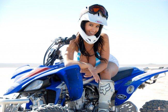 Квадроцикл Yamaha, Denise Milani