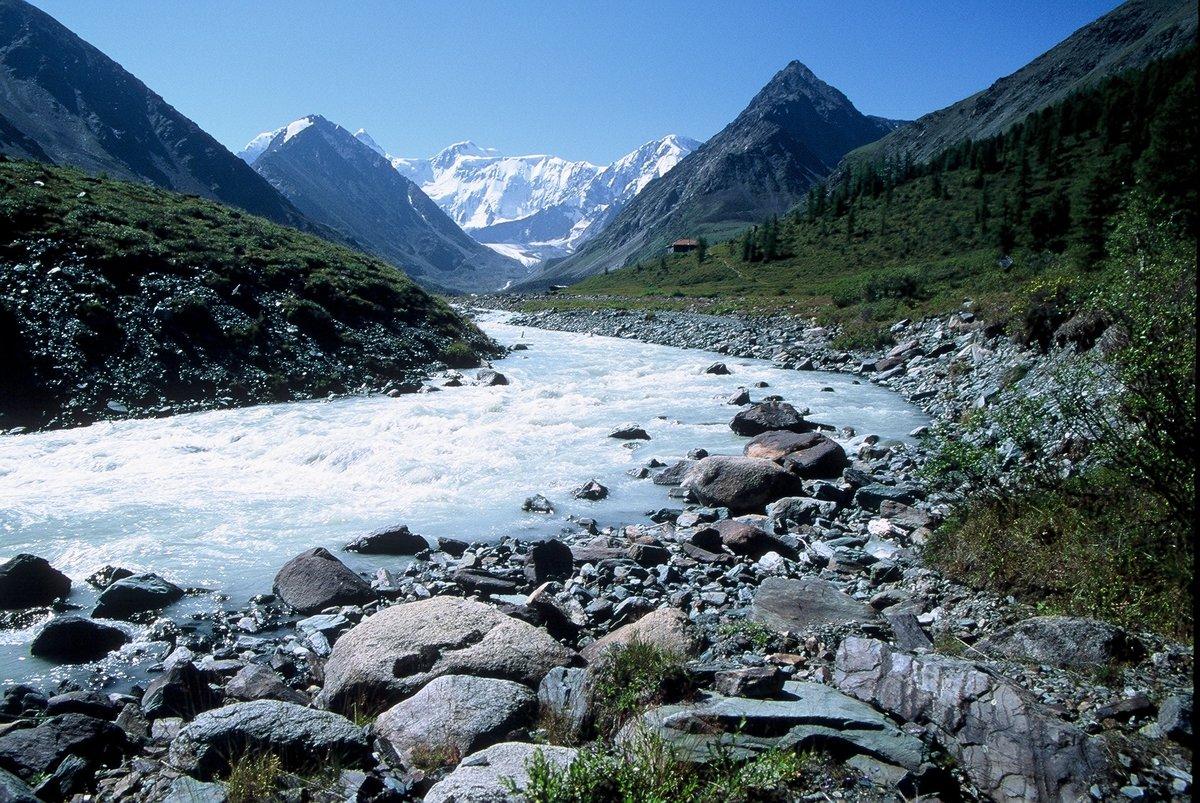 горный алтай горы фото черная