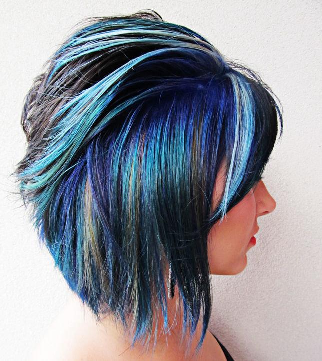 очень цветные пряди в волосах коротких фото искусству