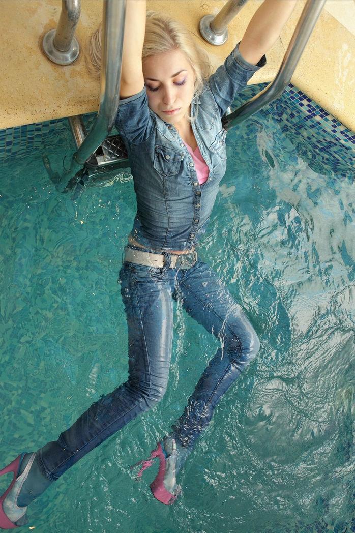 Женщины в джинсах эро отзыва фильм