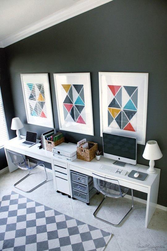 Домашний кабинет в белом цвете с двумя рабочими местами