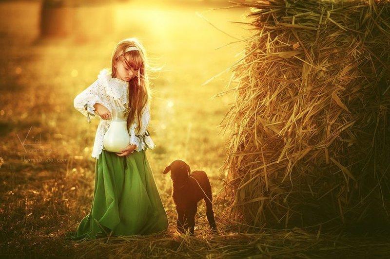 Девушка с барашками