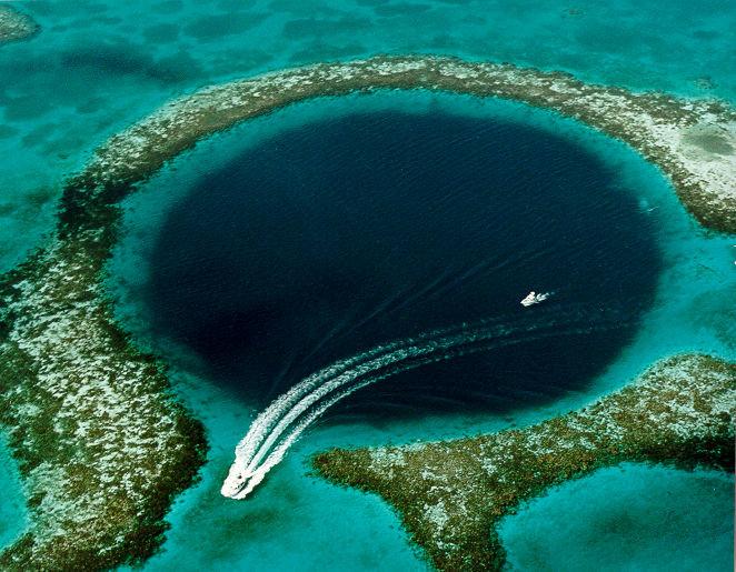 Большая голубая дыра, Белиз (Центральная Америка). http://rentmetal.ru/