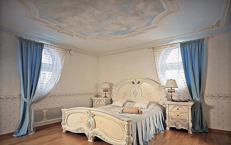 Бежевая спальня с облаками