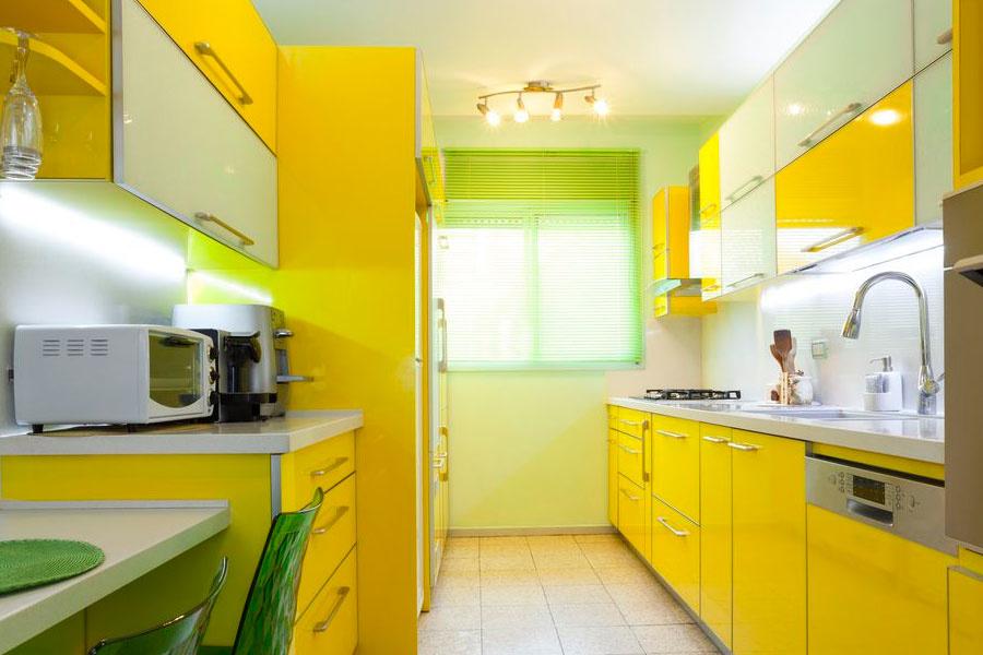 Кухня в желто-зеленых тонах фото