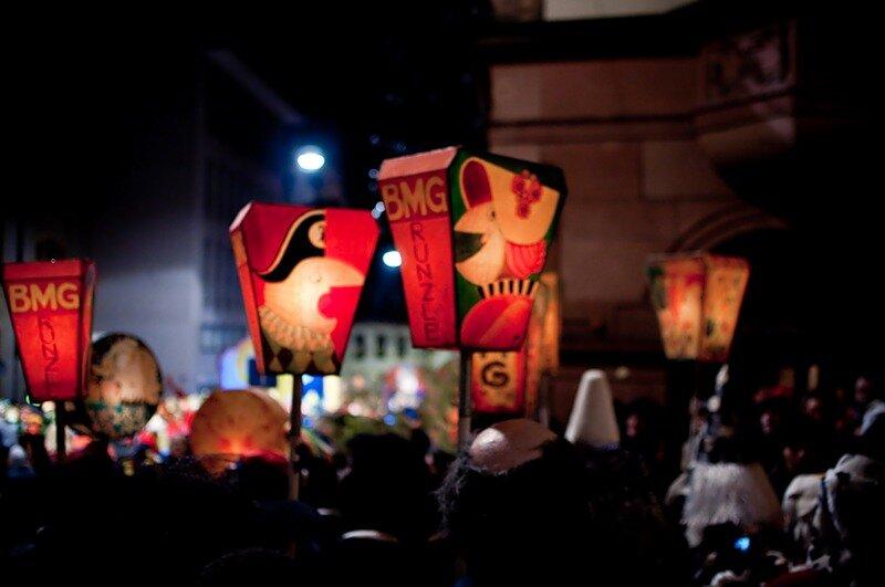 """В швейцарском Базеле стартовал самый популярный в этой стране карнавал """"Фаснахт"""" (Fasnacht). Это событие занимает своё почётное место в ряду прочих масленичных карнавалов, которые отмечаются в разных странах мира."""
