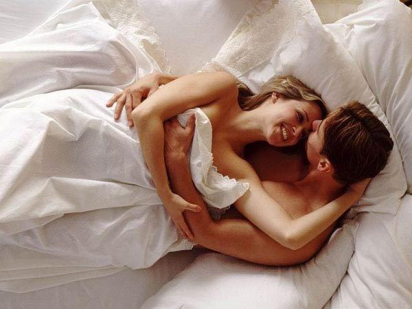 Секс в постеле ночью видео домашний ролик зарегистрировался