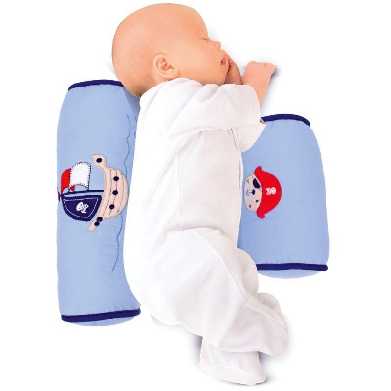 Подушка-позиционер нужна в случаях, когда нужно нежно зафиксировать младенца в положении на боку (для проведения определенных процедур или кормления).