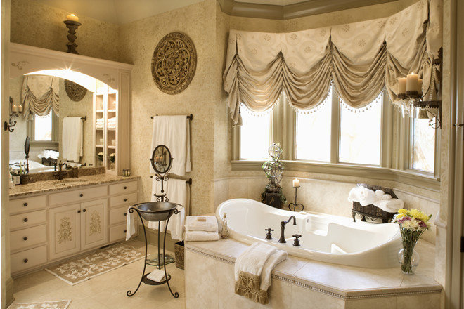Интерьер маленькой ванной комнаты,  в стиле ампир