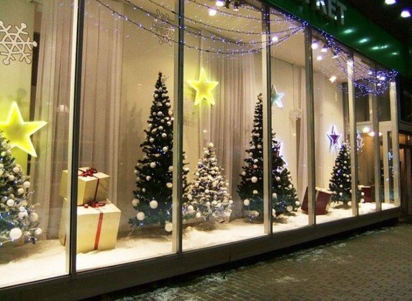 Новогоднее витрин магазинов