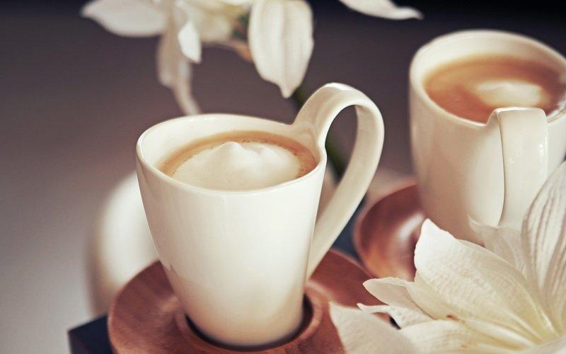 Кофе с молоком картинки красивые и с розами
