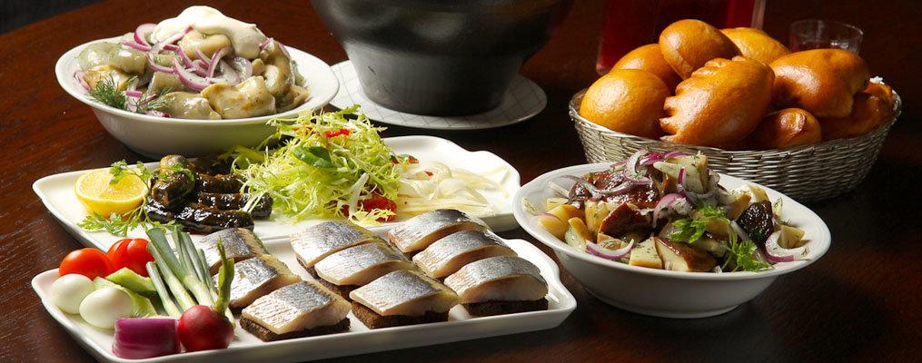фото русский стол блюда для иностранцев это далеко