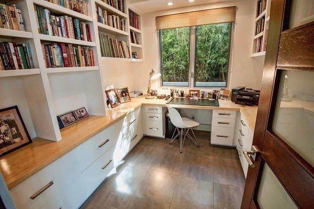 Направленное освещение, безусловно, является самым важным элементом домашнего офиса.