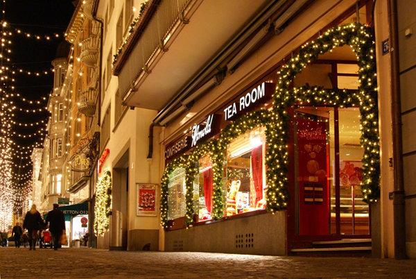 Если у Вас или у ваших близких и любимых есть давняя мечта встретить Новый год, как в волшебной сказке, тогда смело отправляйтесь в удивительно красивую страну – Швейцарию!