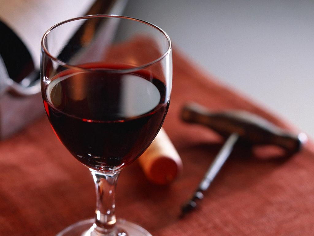 Картинка с вином в бокале