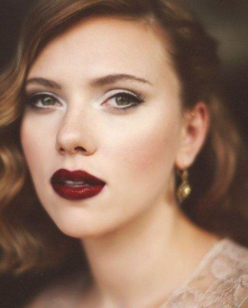 Фарфоровую красоту Скарлетт Йохансон подчеркивают насыщенные губы