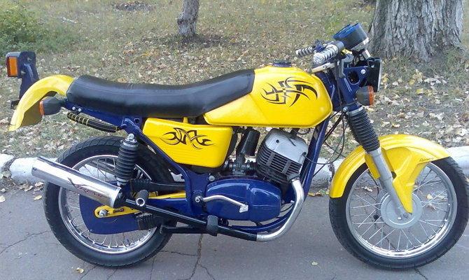 Оригинальный дизайн мотоцикла Ява 350