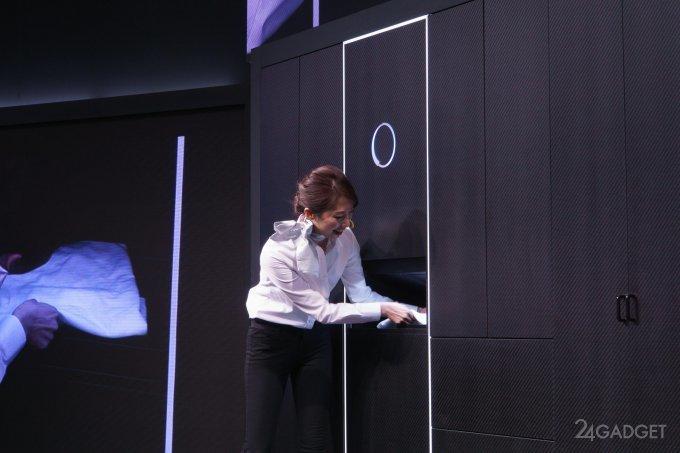 Робот Laundroid аккуратно складывает постиранную одежду (8 + 2 видео)