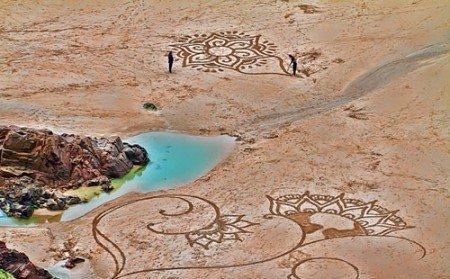 Романтические рисунки на песке