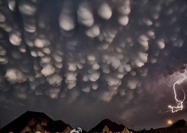 Вымеобразные облака во время грозы