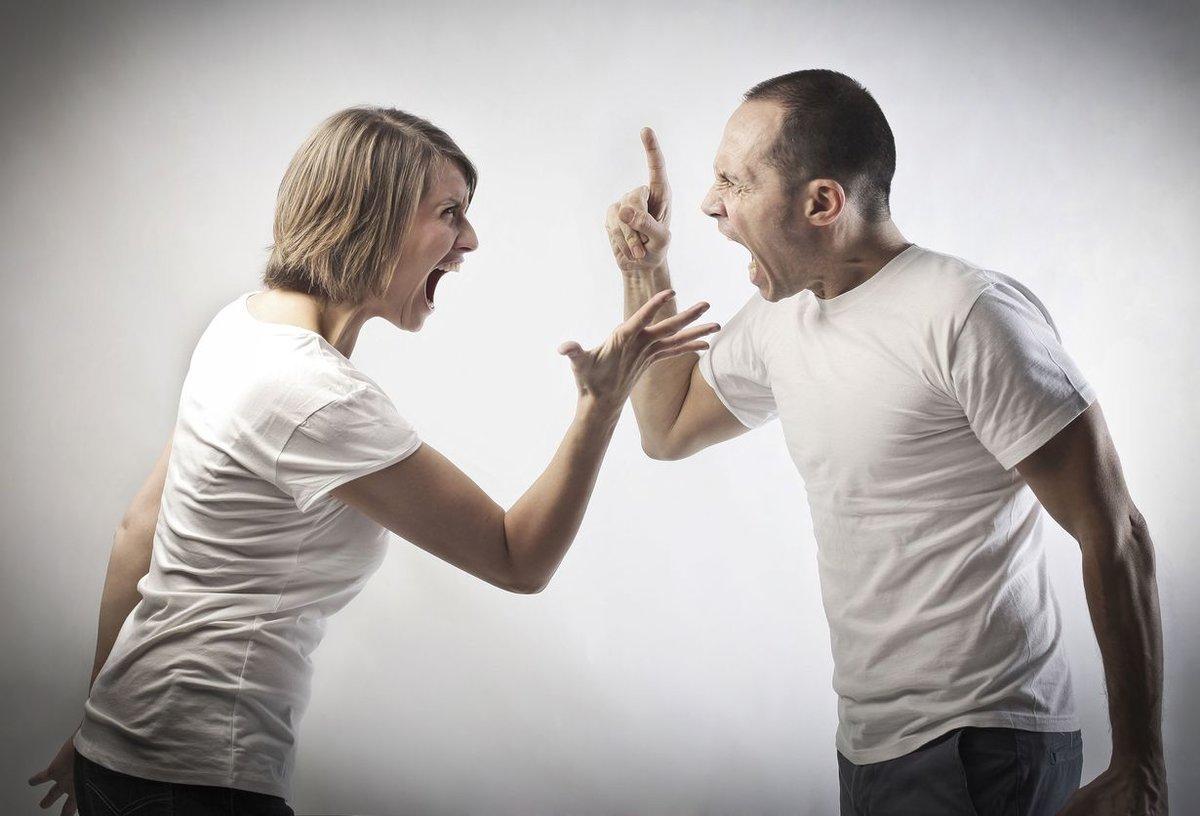 привороженный в ссоре как себя ведет?