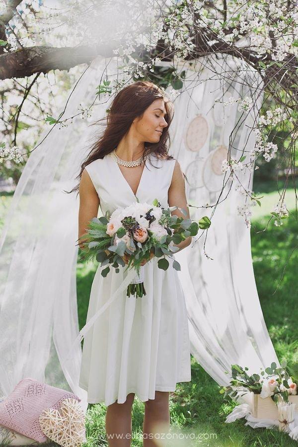 свадебные  с не пышным подолом
