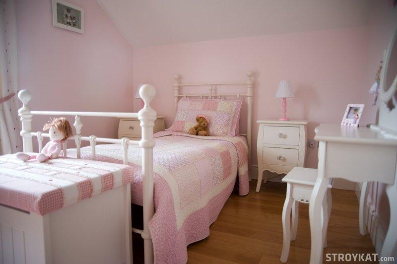Фото дизайна интерьера идеальной классической детской комнаты. Авторский пример для Вашей квартиры