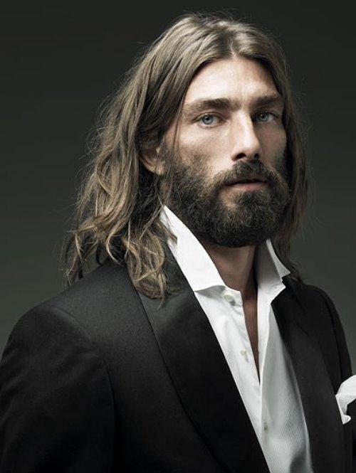 длинные волосы у мужчин фото для стола резаная