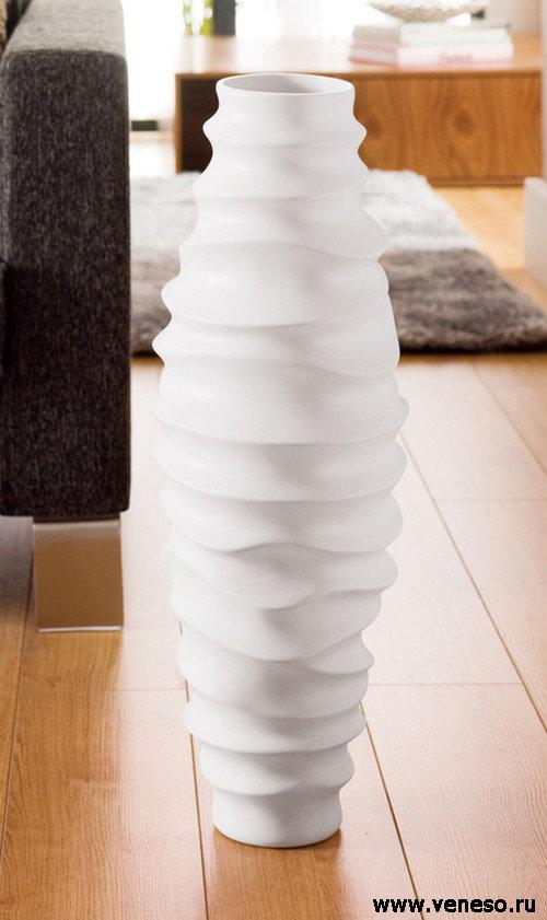 Напольные вазы в интерьере (фото)
